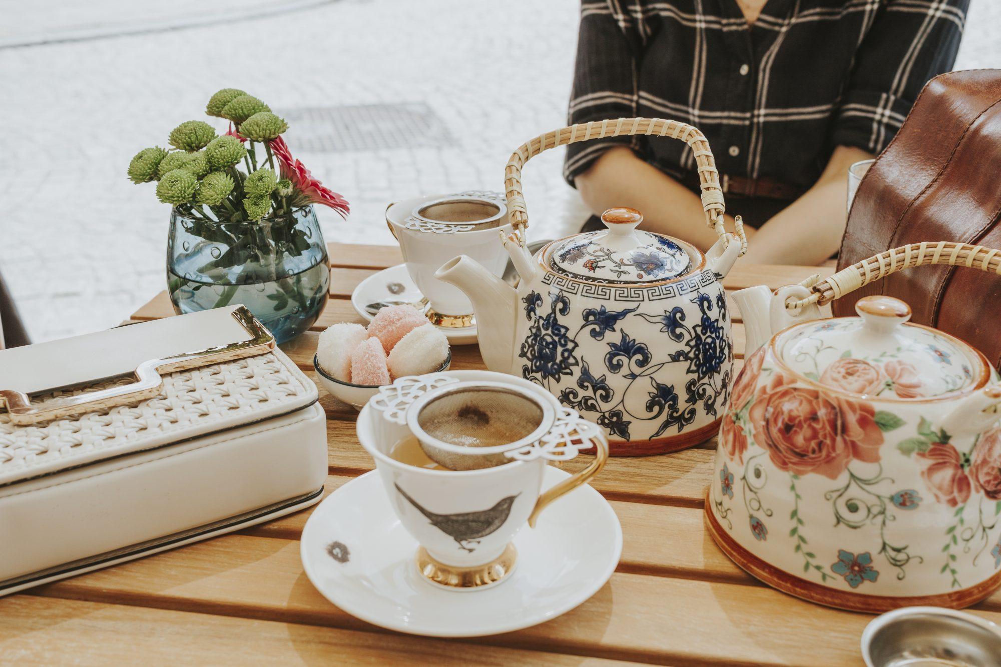 Tea at Blackbird Tea Room, Bruges