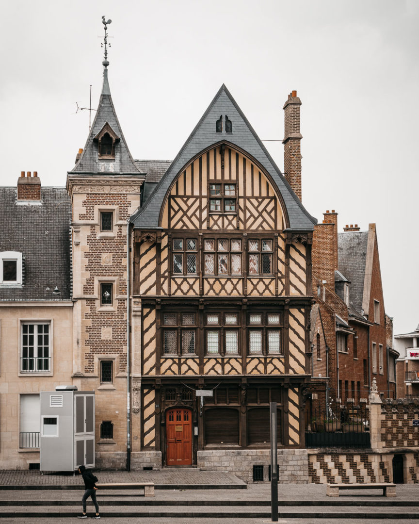 Charming house seen during one day in Amiens